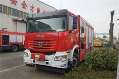 联合重卡8吨泡沫消防车价格_图片_配置_厂家